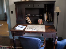 North Bend - Bed & Breakfast - General Sheridan's Desk